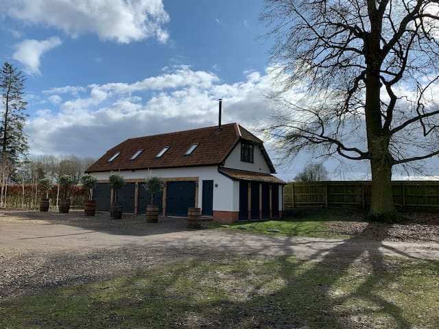 One bedroom Private cottage in fields and woodland