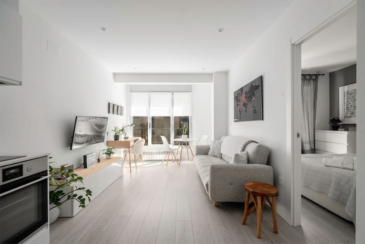 Apartamento nuevo junto a la playa. Vistas al rio