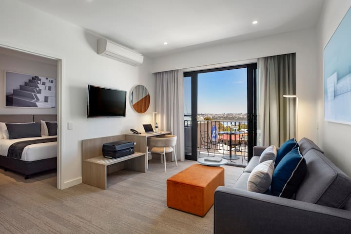 Central Joondalup One Bedroom Apartment
