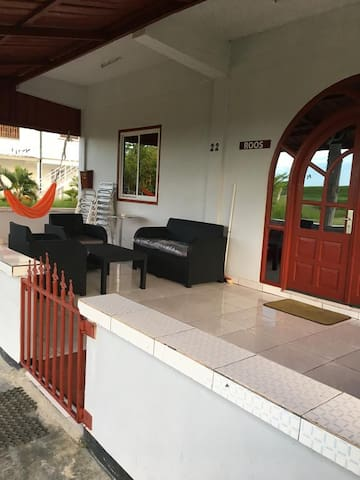 Zeedijk Resort Nickerie appartement Roos