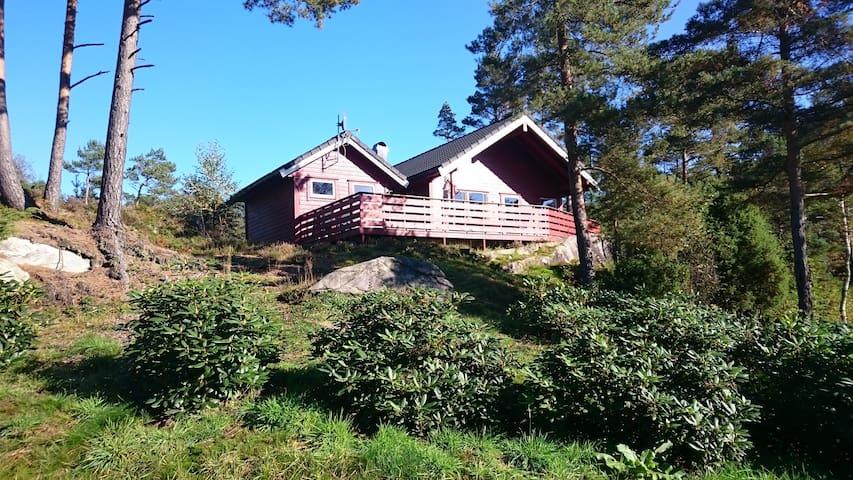 Lindås gard og hytteutleige - Liereid