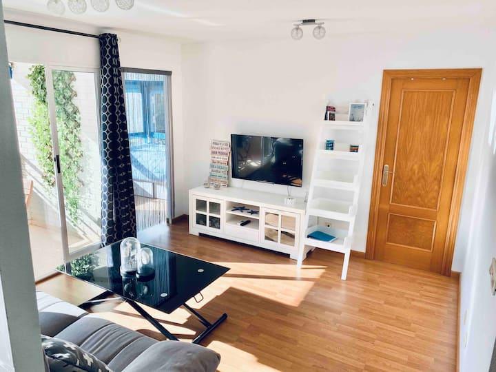 Luminoso apartamento en la playa con WIFI