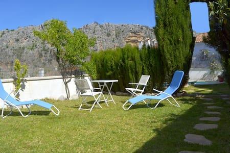 Casa completamente amueblada  con piscina privada - Montejaque - Townhouse