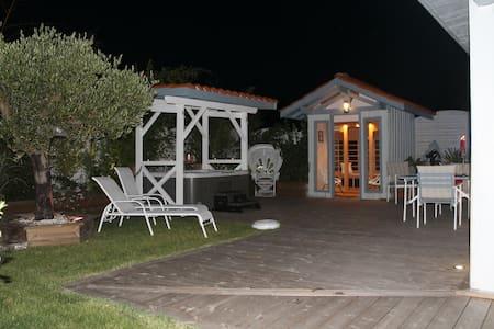 loft avec spa et sauna privatif - Mios