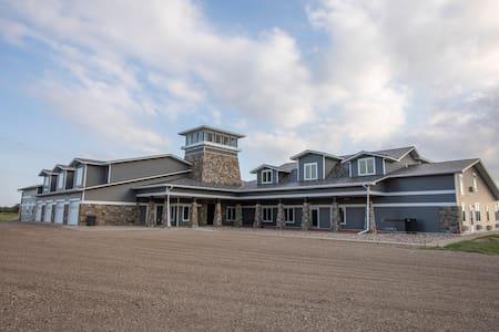 The Lodge at Medicine Creek Farms