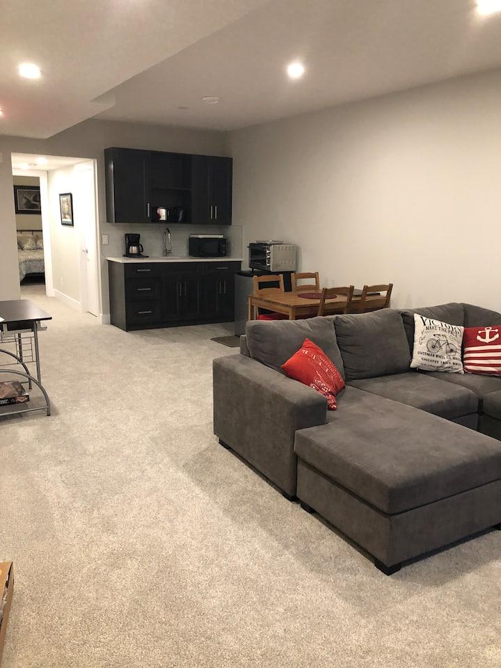 Brand New basement suite in Mature Neighbourhood!