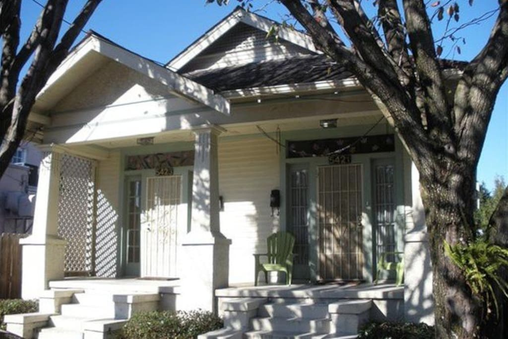 This listing if for the left side of this charming, historic double. Both sides are spacious 1 BR / 1 BR apartments with full kitchens, living, and dining rooms.