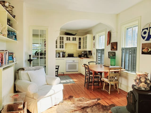 Artsy Historic Downtown Apartment!