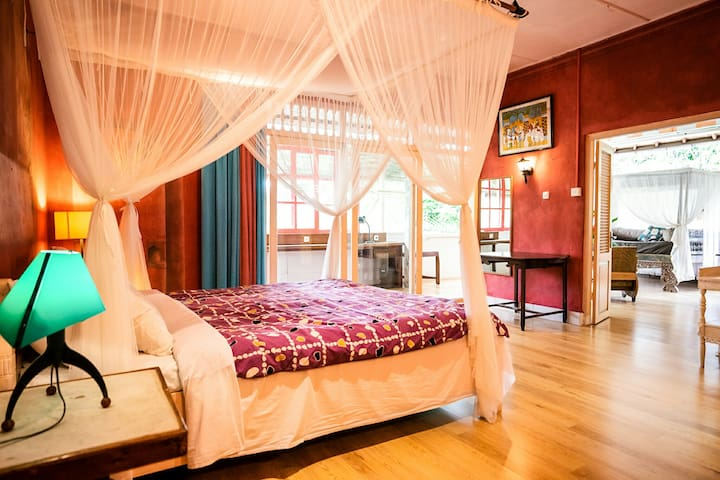 Ubud's Magical Apartment Amid Lush Tropical Jungle