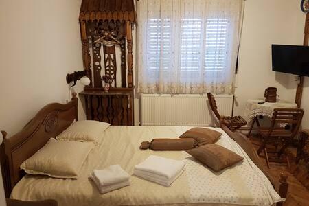 Recea186 4 Traditional space, 21st century comfort