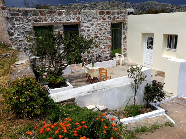 Traditional house in Karydi - Mountain & Sea