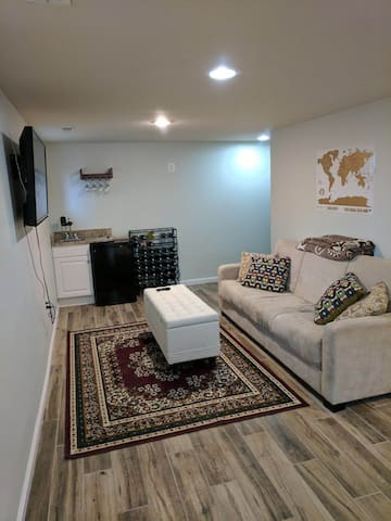 5 min to Metro. 2bd walk-out basement level. - Washington - Casa