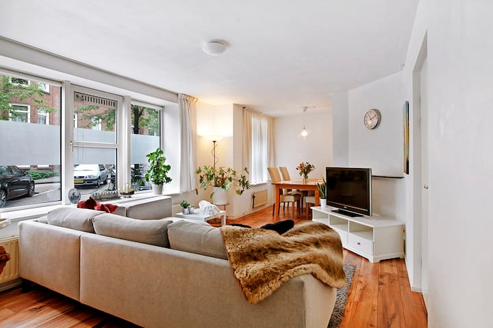 2 Bedroom Apartment in the Best Part of Amsterdam!