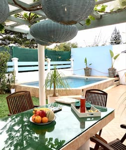 LAU7 Villa, private pool sea frontup to 6 guests