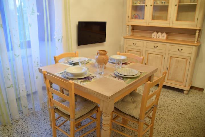 Appartamento luminoso e accogliente - Gubbio - Apartemen