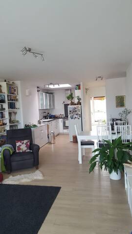 Schöne, zentral gelegene Wohnung in DA