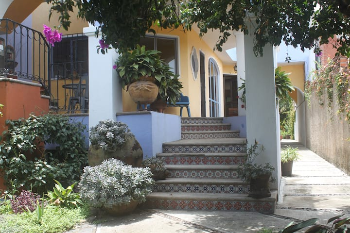 Stunning Home in Ajijic, King Bed,  Breakfast 1