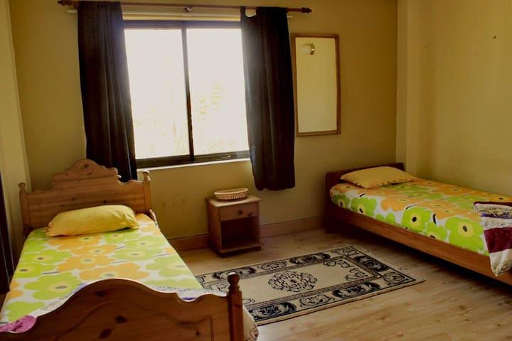 Room 2 of 3 in a House in Bhaisipati - Kathmandu - Casa