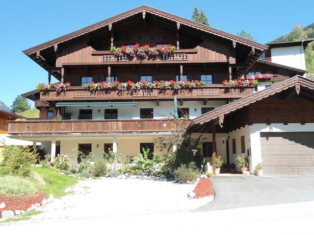 Landhaus Moser Ferienwohnung - Alpbach - Apartament