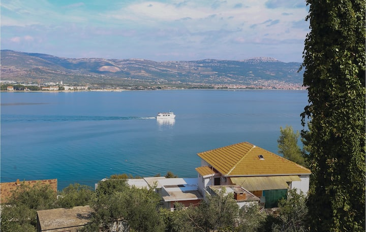 Awesome home in Arbanija with WiFi and 1 Bedrooms