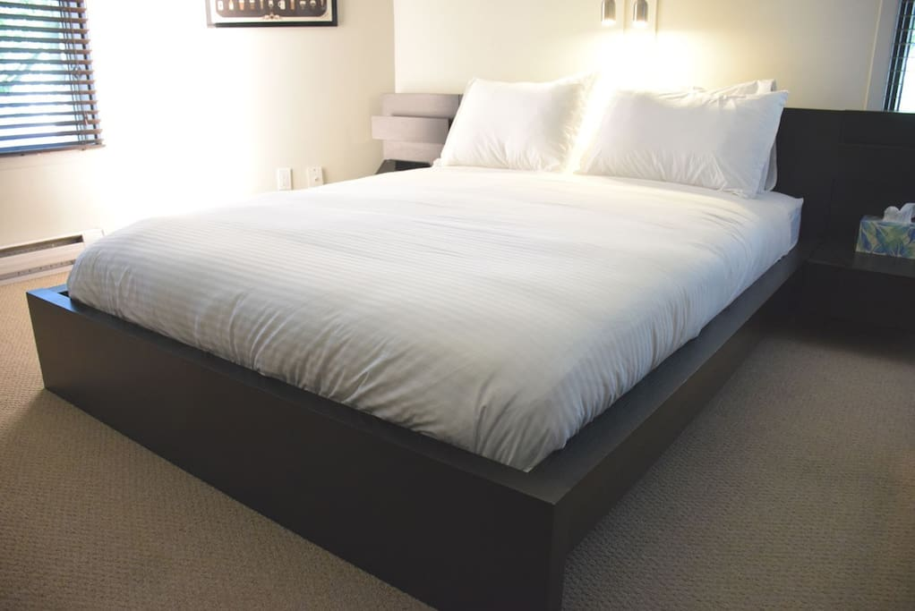 Comfy bed with memory foam mattress!