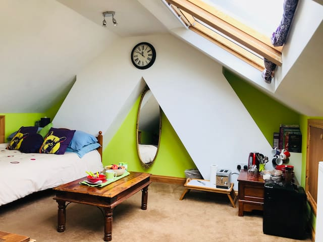 South Bristol - Bright Loft Space