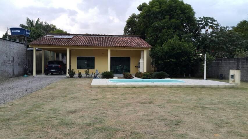 Linda casa completa em Manaus - familiar
