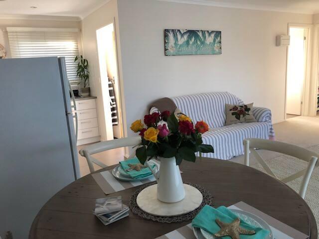 Collins Retreat, explore Geelong & West 2BDR Unit