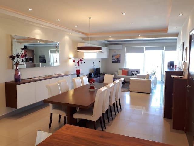 Top Designer Apartment, Seaview Terrace, Free Wifi - San Pawl il-Baħar - Apartment