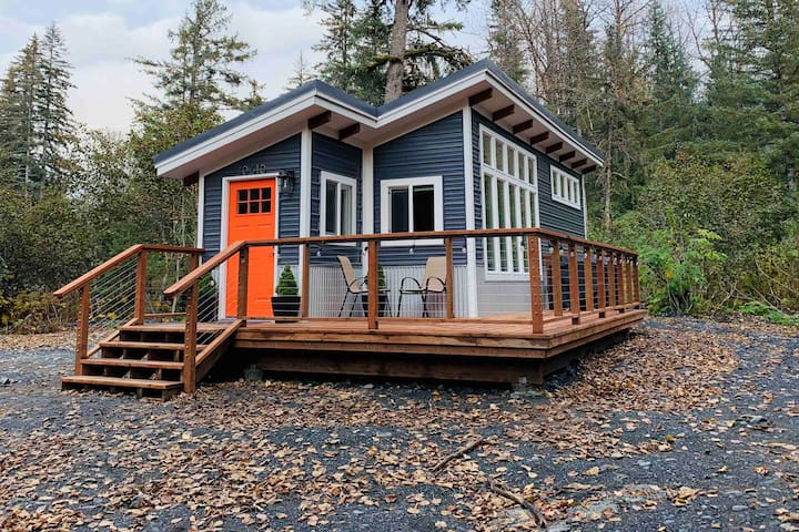 Experience Tiny House Living At Mystic Mountain!