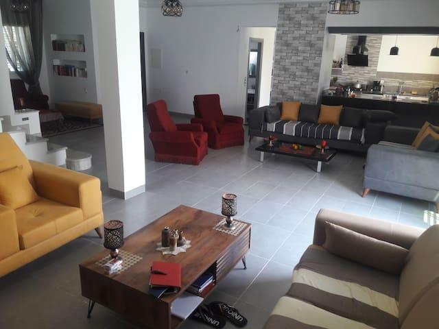 Grande et luxieuse Villa à Hammamet Nord