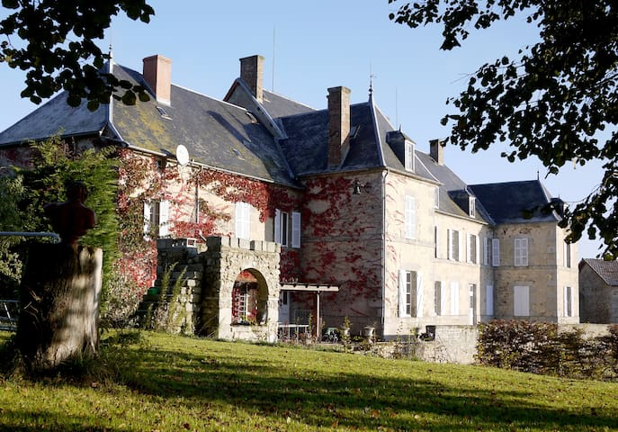 French Chateau with heated pool - Auzances - Castle