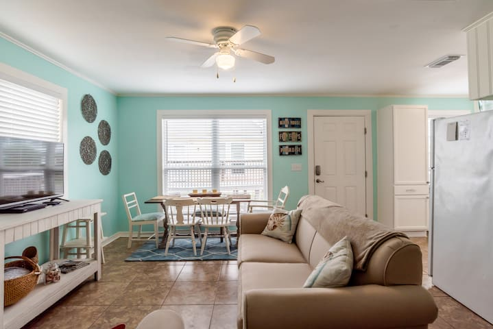 """Sun Baby"" Key West Cottage-Steps 2 Sea, Pool/Pets - Gulf Shores - Bungalow"