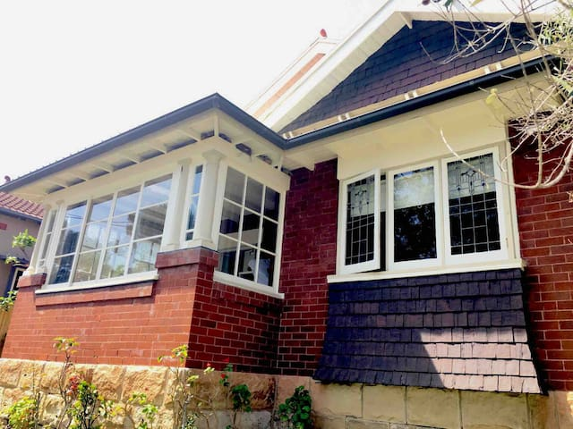 House in Manly price of a unit!