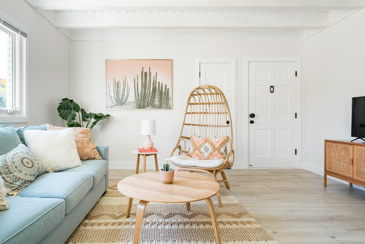 Stroll to the Beach in Belmont Shore from a Bohemian Getaway