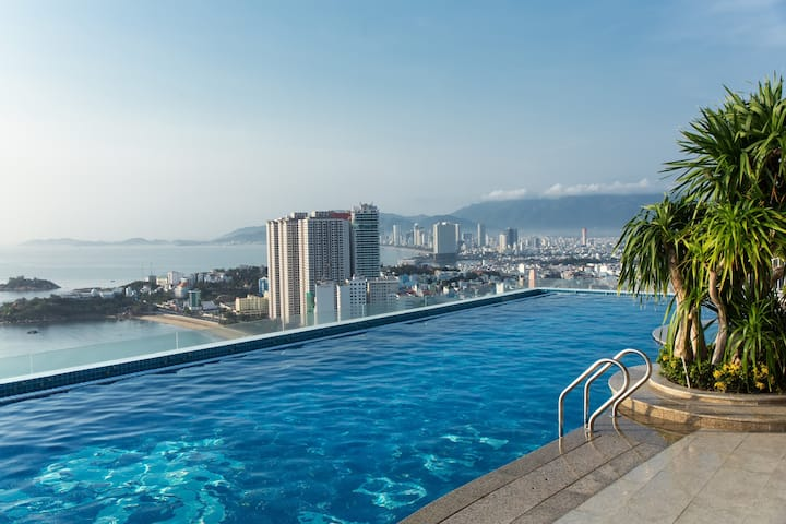 Hoang Anh Apartment  2 BEDROOM &BALCONY SEAVIEW