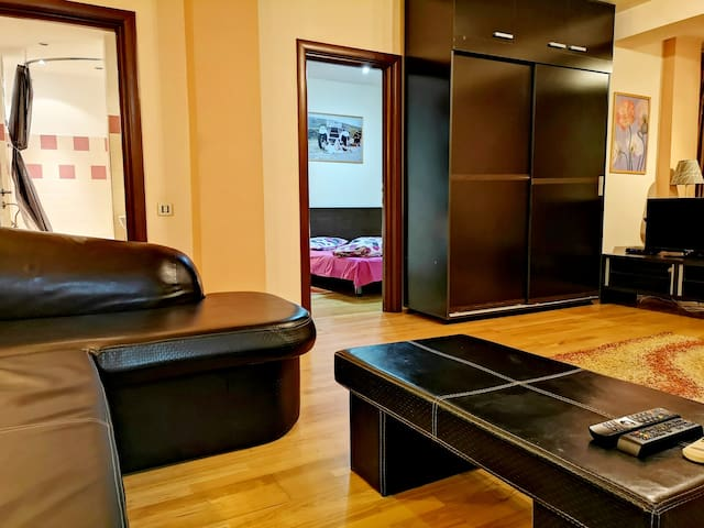 Entry in the bedroom and bathroom