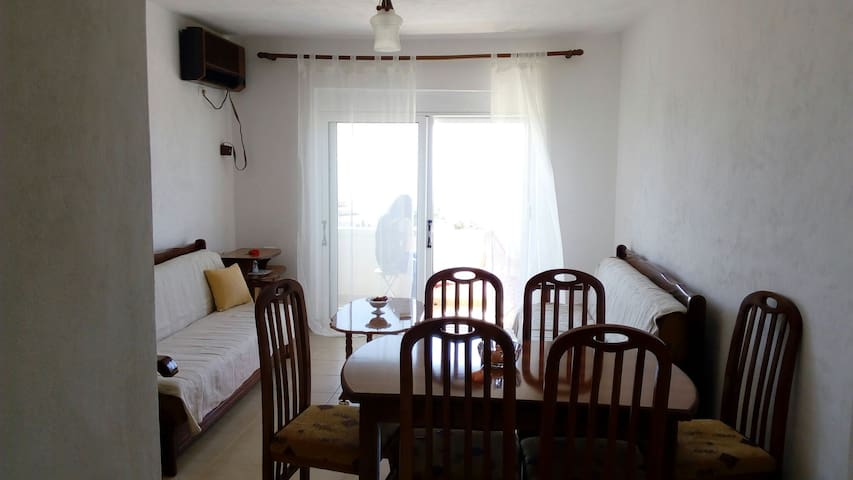 Maksimo Apartment