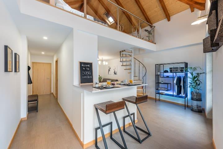 SOBRI Cork House - Sustainable  Loft with balcony