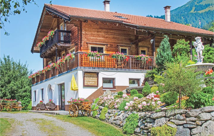 Holiday apartment with 1 bedroom on 32m² in St. Gallenkirch