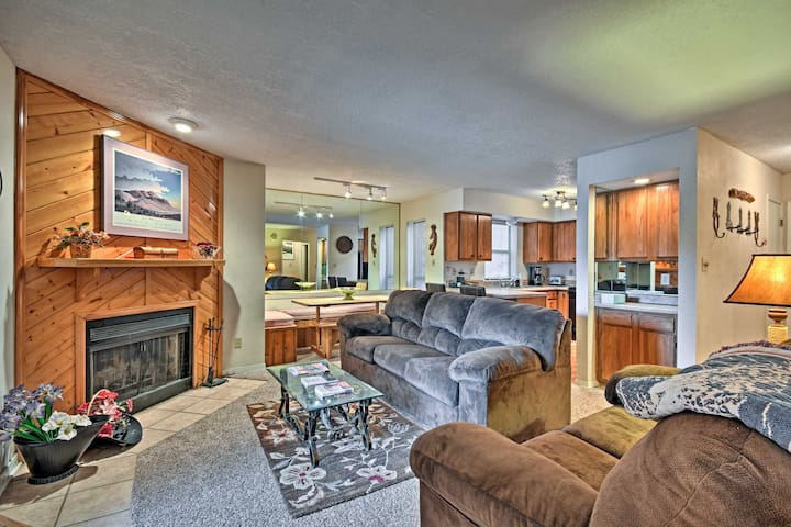 Angel Fire Condo w/Private Hot Tub - Walk to Lifts