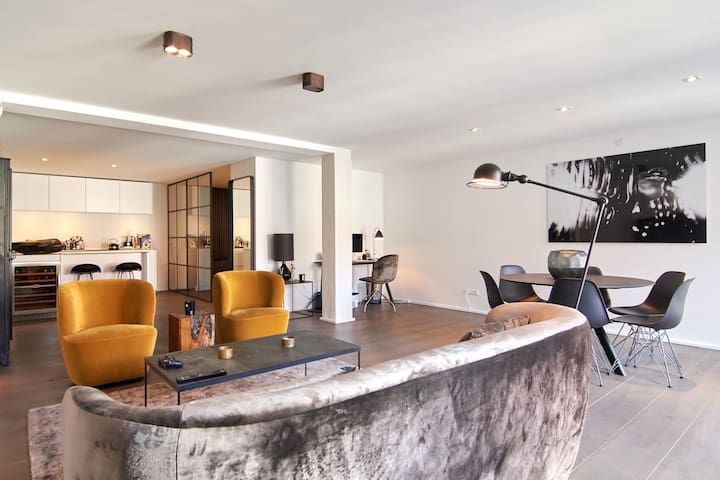 114sqm modern apartment in Nyhavn with balcony!