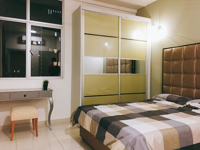3BR Cozy Condo in KL,nearby midvalley (Free WiFi)
