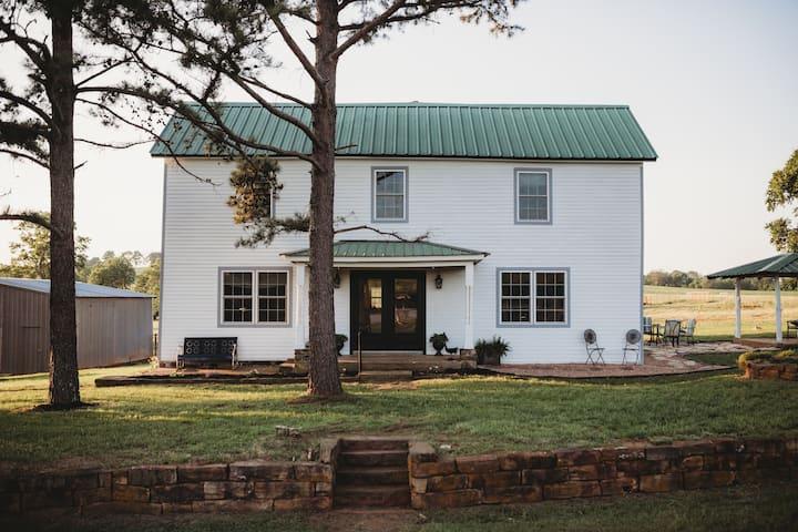 Farmhouse on the Hill - Entire House