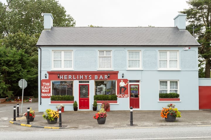 Herlihy's, Half Way House, Farranfore, Killarney