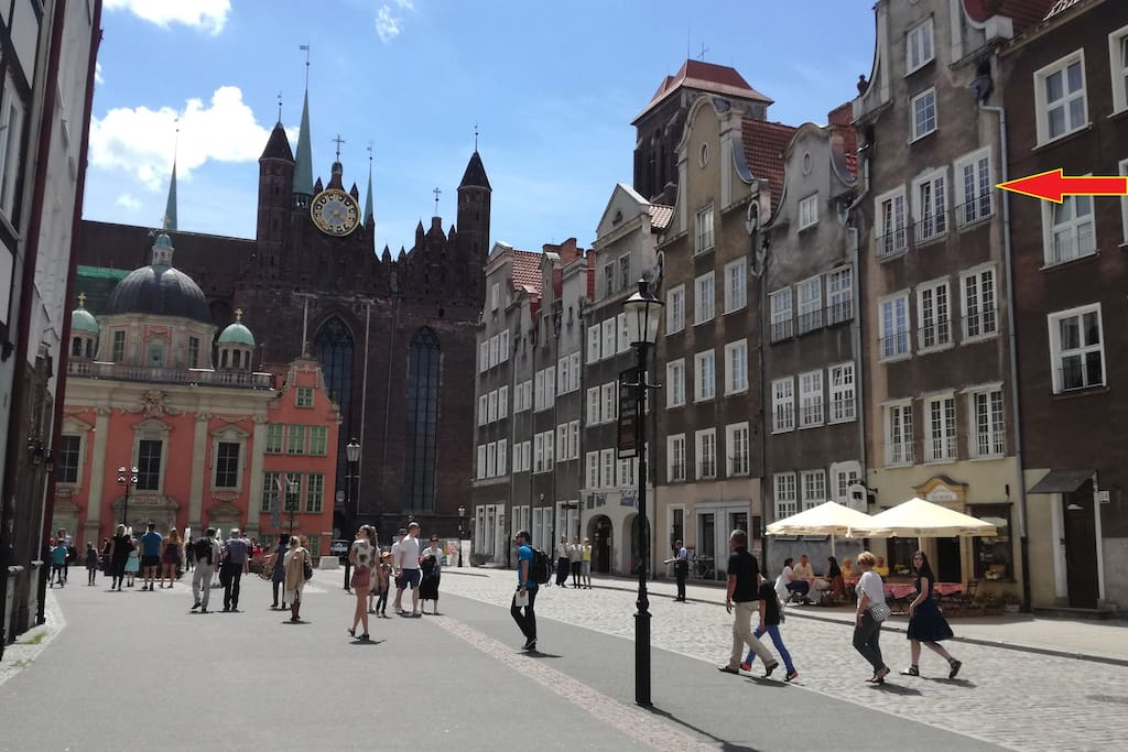 The apartment is situated by one of the most representative streets of Gdańsk