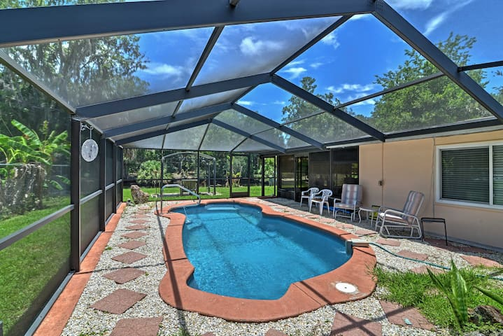 Waterfront Crystal River House w/Screened-in Pool!