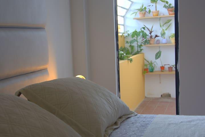 Céntrica Suite Privada por la Plazuela Calleja