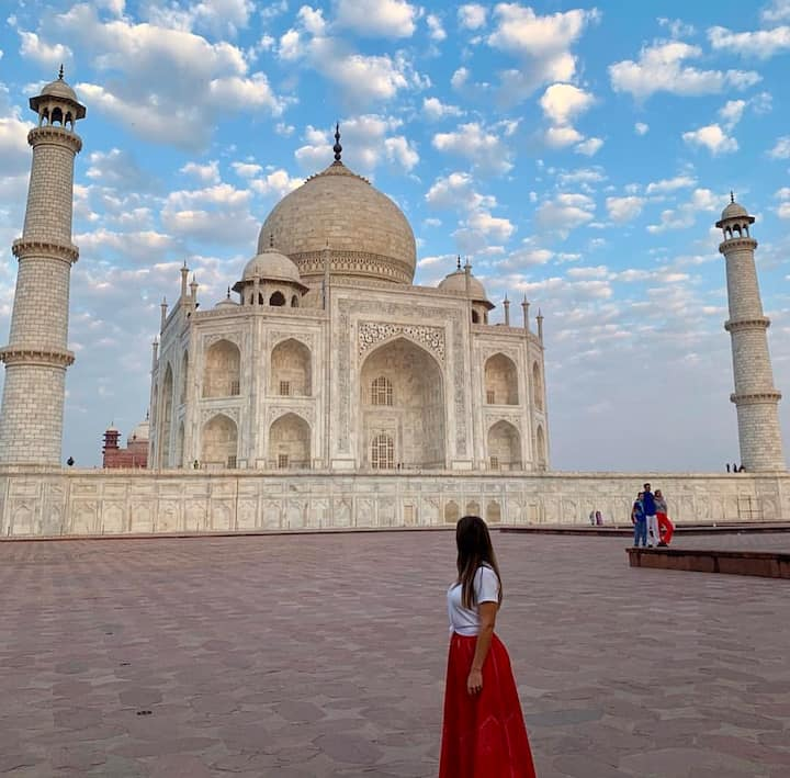 Tajmahal look exactly same from all side