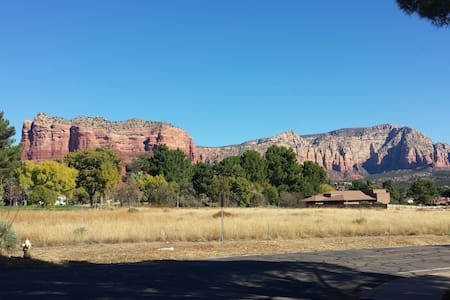 Red Rocks Retro Retreat - Sedona